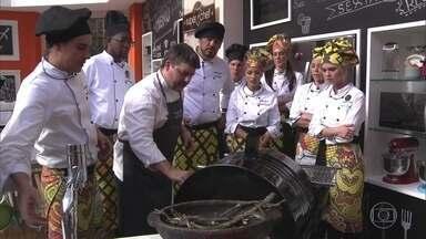 Workshop sobre fogo e brasa - O chef Carlos Kristensen mostra segredos para fazer assados e defumados na churrasqueira