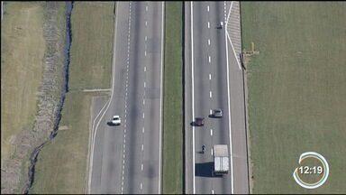 Essa semana começa a valer a lei que obriga motoristas a acenderem o farol durante o dia - Medida será válida para as rodovias do país.