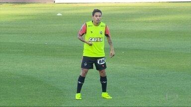 Rafael Carioca e Cadu foram novidades no treino do Atlético-MG - Maicosuel já teve nome divulgado no BID, e pode ser escalado para partida contra o Flamengo