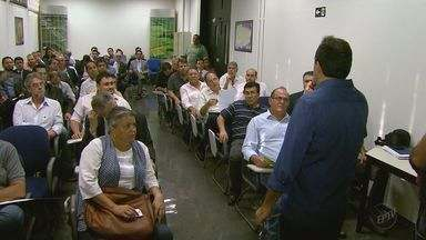 Representantes de partidos políticos participam de reunião na EPTV em Ribeirão - Gerente de jornalismo explicou como será cobertura durante a campanha eleitoral.