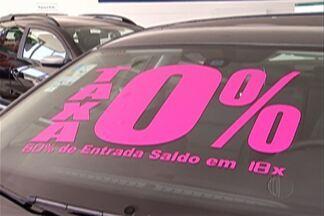 """Crise econômica afeta venda de automóveis no Alto Tietê - Na região, concessionárias reconhecem os prejuízos e algumas contam com a venda dos """"usados"""" para não fechar o mês no vermelho."""
