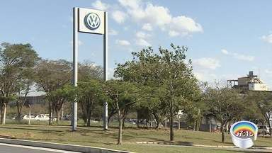 Volkswagen suspende PPE por dois meses na fábrica de Taubaté - Aumento nas exportações fez Volkswagen alterar programa.