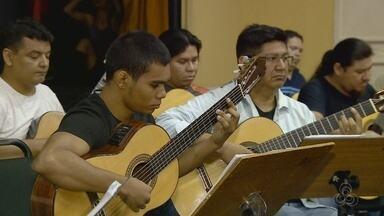 Orquestra de Violões e Balé Folclórico se apresentam no Teatro Amazonas - Repertório foi inspirado no cotidiano do povo amazonense.
