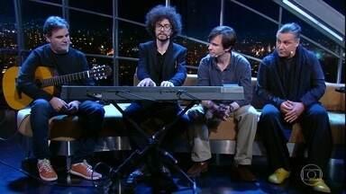 Banda Mar Aberto canta música que dá nome ao grupo - Músicos foram entrevistados por Jô Soares