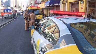 Dono de lotérica é morto a facadas, em Curitiba - Foi hoje a tarde, durante um assalto. Segundo a polícia, outros dois clientes foram feitos reféns