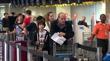 Passageiros desconhecem direito ao reembolso da taxa de embarque - A taxa de embarque é cobrada pelas companhias aéreas, mas o dinheiro não fica com elas. Vai para as empresas que administram os aeroportos. Se o passageiro não embarcar, não usar a estrutura do aeroporto, não deve pagar por isso.
