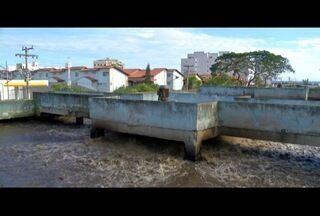 Ambientalistas questionam processo de concessão de tratamento de esgoto em Arraial, RJ - Tratamento agora é feito pela Prolagos.