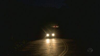 Serra Dona Francisca tem trechos perigosos sem iluminação - Serra Dona Francisca tem trechos perigosos sem iluminação