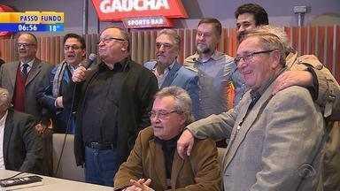 Programa Sala de Redação lança livro em comemoração aos 45 anos - Atração vai ao ar pela rádio gaúcha.
