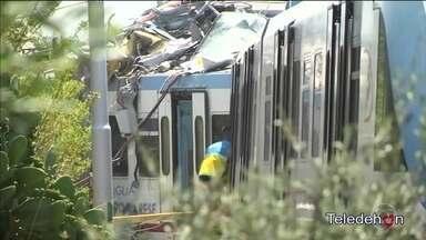 Colisão de trens deixa pelos menos 20 mortos na Itália - Dois trens bateram de frente no sul da Itália. A batida foi definida como muito violenta. Mais de 40 pessoas ficaram feridas e precisam de doação de sangue.