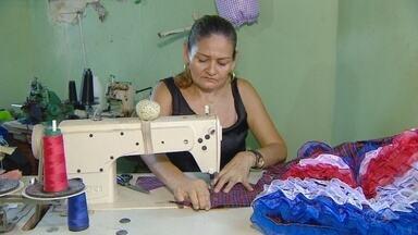 Costureiras em Manaus citam dificuldades com crise econômica - Profissionais dizem que mercado está retraído.