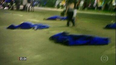 Ataque terrorista atinge sul da França matando mais de 80 pessoas - Atentado aconteceu na cidade de Nice durante comemoração ao dia da Bastilha, dia nacional francês. Um caminhão avançou sobre a multidão que assistia aos fogos de artifício.