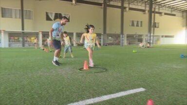 Colônia de férias é opção para crianças durante férias escolares - Em Ji-Paraná, a atividade tem crescido.