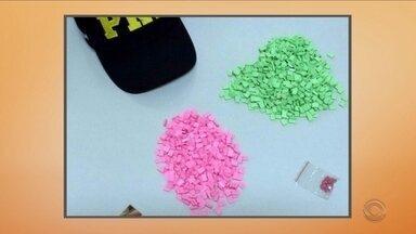 PRF apreende 960 comprimidos de ecstasy na BR-101 em Tubarão - PRF apreende 960 comprimidos de ecstasy na BR-101 em Tubarão