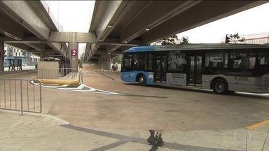 Estação de transferência água Espraiada começa a funcionar - A estação é como um pequeno terminal de ônibus no corredor das avenidas Berrini e Chucri Zaidan, no Brooklin.