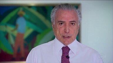 Governo garante que esquema de segurança para a Olimpíada vai funcionar - Através de um vídeo publicado em redes sociais, o presidente em exercício Michel Temer tranquilizou turistas e atletas e incentivou brasileiros e estrangeiros a irem ao Rio durante os jogos.