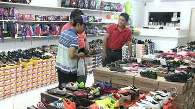 Saiba os erros e acertos de vendedores na hora do atendimento ao consumidor - Empresas fazem de tudo para chamar atenção do cliente.