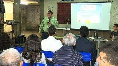 População se reúne para discutir os problemas de saneamento básico em Aracaju - População se reúne para discutir os problemas de saneamento básico em Aracaju.