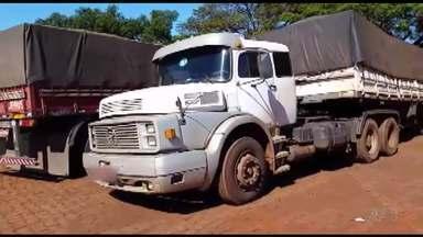 Quinze pessoas são presas em apreensão de cargas desviadas em Maringá - A polícia apreendeu duas carretas que carregavam soja e chapas de aço.