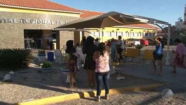 Funcionários do Hospital Regional de Juazeiro entram em greve por tempo indeterminado - O sindicato da categoria disse que os funcionários entraram em greve por conta de atrasos nos repasses para compras de equipamentos de trabalho.