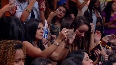 Sandy canta Aquela dos 30 no Caldeirão - Cantora interpreta música no programa.