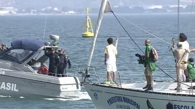 Tocha Olímpica segue revezamento e passa por Ilhabela, no litoral de São Paulo - Tocha Olímpica segue revezamento e passa por Ilhabela, no litoral de São Paulo