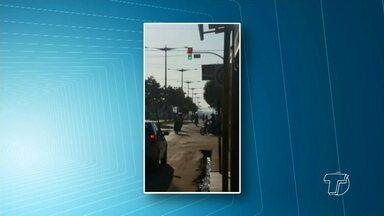 Sinalização semafórica da Av. Moaçara com Av. Turiano Meira apresenta problemas - Segundo motoristas que trafegam diariamente por lá, a sinalização vem apresentado problemas constantes.