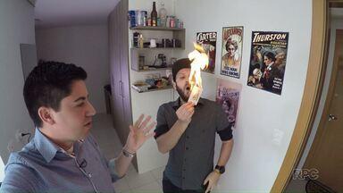 Jovens fazem vídeos caseiros e 'bombam' na internet - Alguns deles já contam com milhões de visualizações
