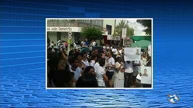 Caminhada pela paz é realizada em Belo Jardim - Moradores se vestiram de branco e se uniram para pedir mais segurança e paz no município.