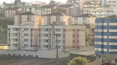 Inquilinos em Marília negociam descontos com desaquecimento de mercado imobiliário - Em Marília, inquilinos estão aproveitando que o mercado imobiliário está desaquecido e conseguindo negociar os aluguéis com até 20% de desconto. Os donos aceitam pra não deixar os imóveis fechados.