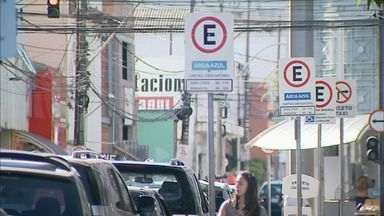 Área Azul fica mais cara a partir de quarta-feira (27) em Franca, SP - Estacionar no Centro da cidade por uma hora custará R$ 2,30.