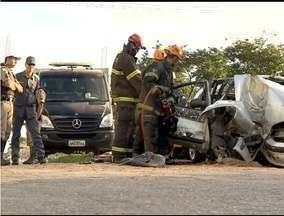 Três pessos morrem em acidente de trânsito em Belo Horizonte - Em Montes Claros, ação celebra dia do motorista.