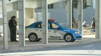 Já estão no Rio 48 mil homens das Forças Armadas e da Polícia - No primeiro dia útil de operação, eles vigiaram aeroportos, estações de trem, estádios e arenas olímpicas.