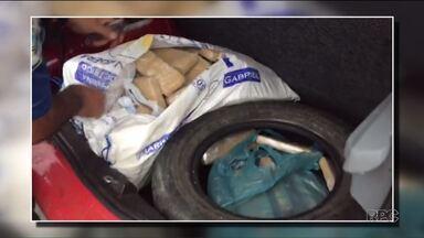 Dois homens e dois adolescentes são detidos após abandonar carro com 40 kg de maconha - Eles abandonaram o carro perto de São Miguel do Iguaçu.