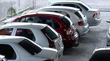 Aumenta a venda de veículos seminovos em Linhares, Norte do ES - Revendedoras comemoram o aumento das vendas dos veículos usados.
