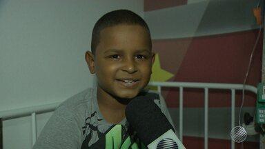Globo Esporte lança campanha para aumentar cadastro de doadores de medula óssea - Bahia tem cem pessoas à espera de um transplante dessa natureza, entre eles, um garotinho que está lutando pela vida.