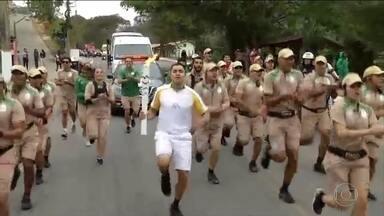 Revezamento da tocha olímpica está em Vassouras - Símbolo passou antes por Barra do Piraí e Piraí.