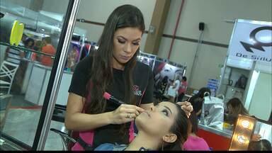 Profissionais da beleza participam de encontro em João Pessoa - Mercado da beleza foi pouco afetado pela crise.