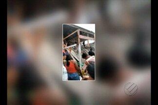 Homem é baleado durante confusão dentro de barraca em praia de Salinópolis - Homem foi atingido por tiro porque supostamente teria se recusado a pagar conta. Bombeiros interditam estabelecimento, que desabou no último domingo (31).