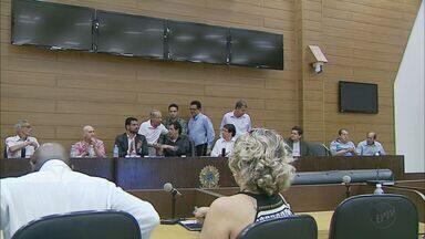 PMDB e DEM oficializam candidatos a Prefeitura de Franca, SP - Flávia Lancha Oliveira e Gilson de Souza vão representar os dois partidos nas eleições em outubro.