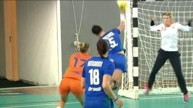 Seleção de Handebol feminino conta com treinador dinamarquês para buscar o ouro - Brasil estreia no sábado contra a Noruega.