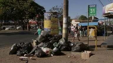 SLU garante que garis farão mutirão para recolher lixo acumulado no DF - A direção do SLU garantiu, nesta segunda (1) , que os garis vão fazer um mutirão para recolher o lixo acumulado pelas ruas do DF.