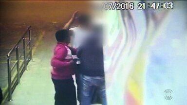 Bandidos assaltam farmácia em Campina Grande - Circuito de câmeras de segurança registrou a ação dos bandidos.