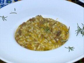 Aprenda a fazer um risoto de abóbora com carne seca - Prato de origem italiana tem preparo simples.