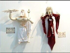 Em Montes Claros, artista plástico realiza exposição de bonecos - Mostra pode ser visitada até esta sexta-feira (5).