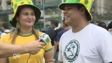 Torcedores convidam população a assistir aos jogos em Manaus - Dois confrontos estão marcados para hoje: Suécia e Colômbia e Nigéria contra o Japão.
