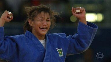 Mulheres têm participação recorde em Olimpíada - O recorde de participação feminina na Olimpíada é histórico. Ao todo, 45% dos atletas são mulheres.