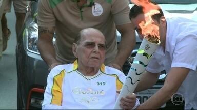Corpo de Ivo Pitanguy é cremado no Rio - O fim de semana foi de despedida a Ivo Pitanguy. O corpo do cirurgião plástico foi cremado na tarde de domingo (7), no Rio.
