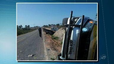Policial fica ferido após colisão entre viatura da PRE e um guindo do Detran - O acidente aconteceu em Paraipaba