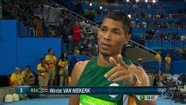 Sul-africano bate recorde mundial dos 400 metros rasos - Wayde van Niekerk era o favorito, já que é o atual campeão mundial na prova. Mas ele se superou e completou a prova com folga em 43 segundos e três centésimos.